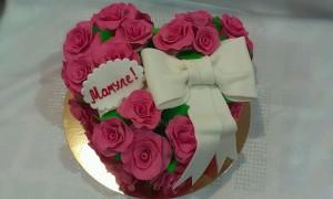 торт для женщин сердце
