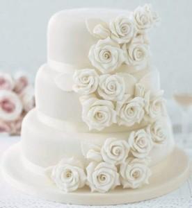 торт с розами на сбадьбу